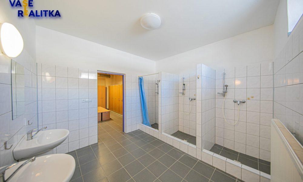 12_sprchy zaměstnanci ženy_budova A